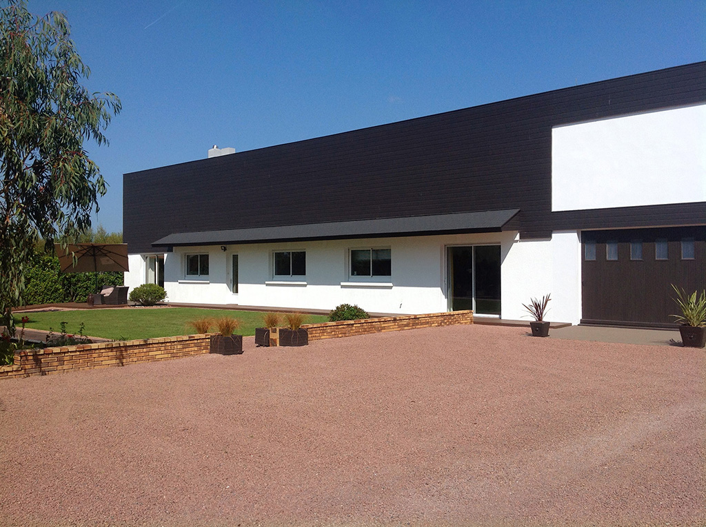 Vente maison atypique vendee 85 bord de mer piscine for Vente de maison atypique