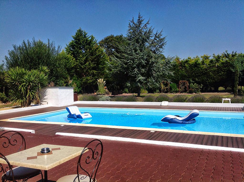 Vente maison atypique vendee 85 bord de mer piscine for Vente de piscine