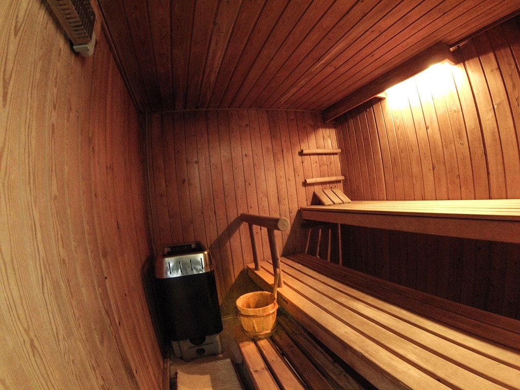 maison sauna beautiful cabine de sauna basic massiv medium de sentiotec x cm with maison sauna. Black Bedroom Furniture Sets. Home Design Ideas